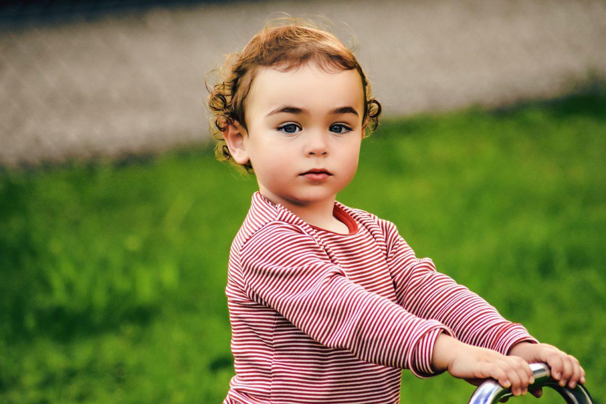 Cum e să interacționezi cu un copil cu autism