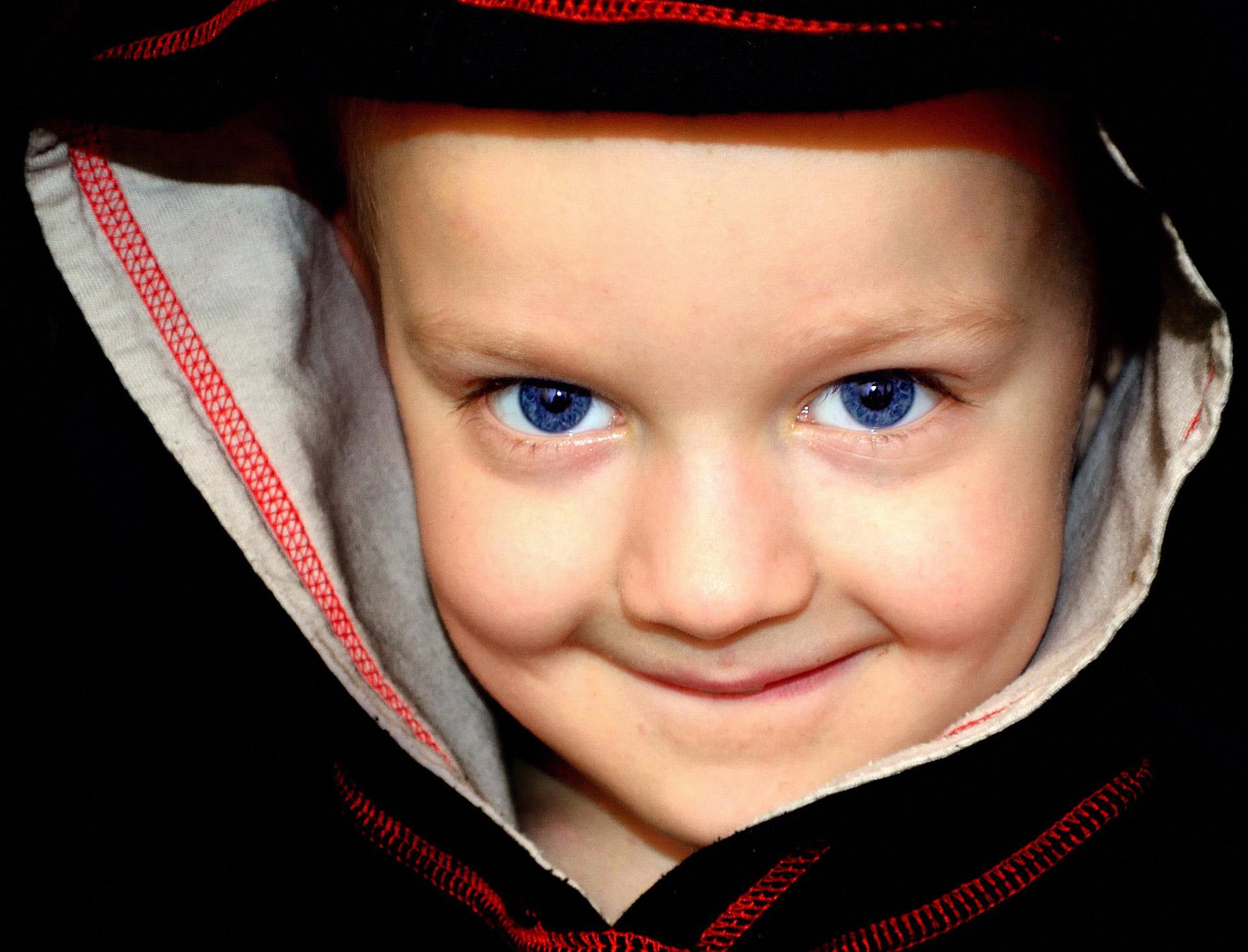 Micro-Matragună sau MicroPine cum se va numi în USA poate preveni miopia la copii.