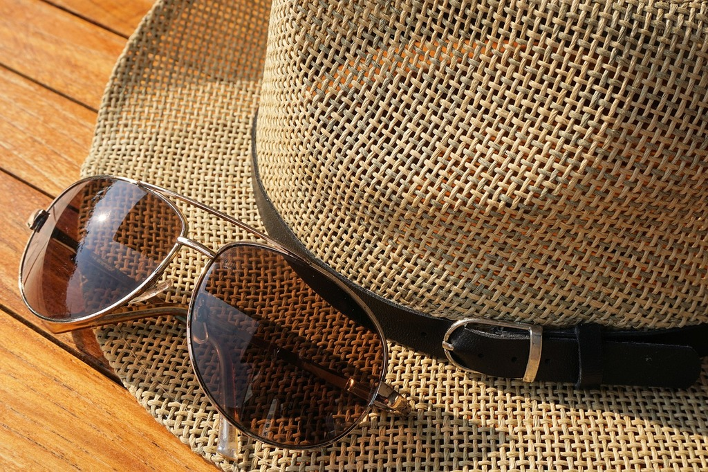 Voi stiti ce ochelari de soare purtau stramosii nostri?